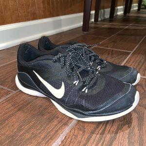 Black Nike Flex TR 5
